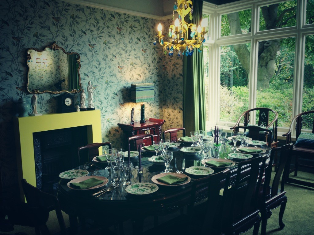 Semi-final dining room set