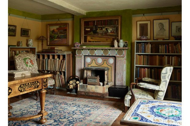 The study of the Charleston Farmhouse