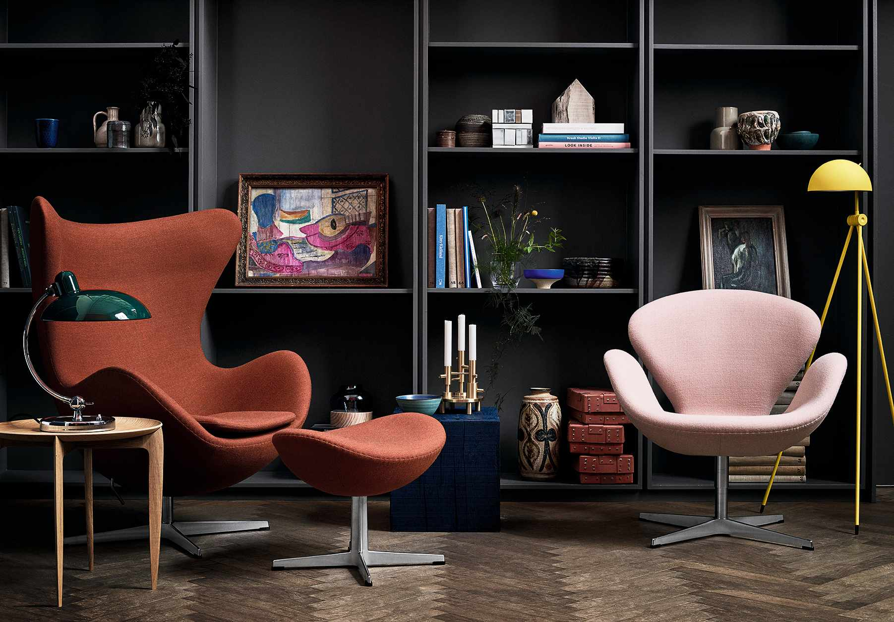 Arne Jacobsen's Swan and Egg chairs in a mid-century living room