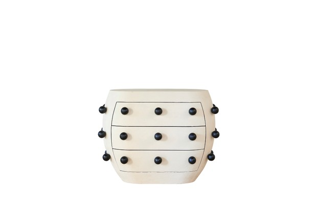 This striking black and white Pop commode is at the top of Kelly's wish list.