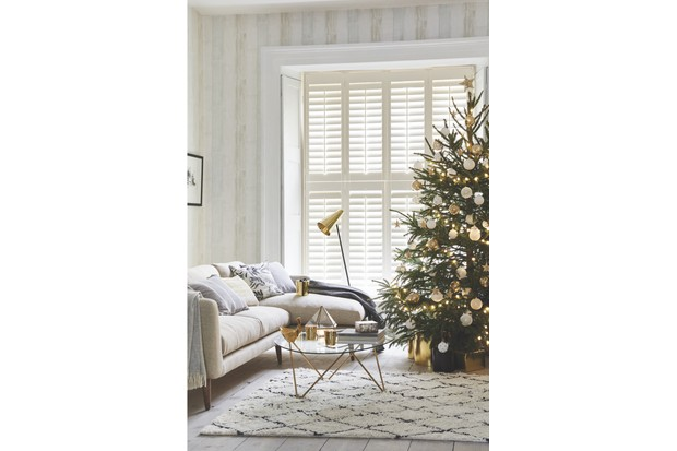 Relaxed and stylish, this scheme by California Shutters mixes natural wool and linen with soothing neutrals, simple window treatments and elegant accessories in glass, gold and monochrome.