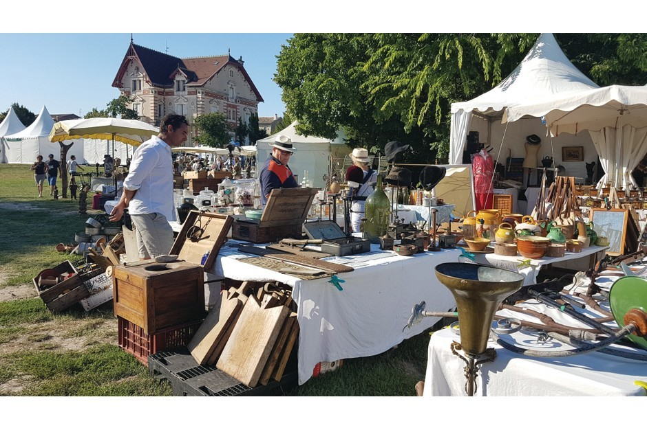 A bustling French Brocante in the sunshine