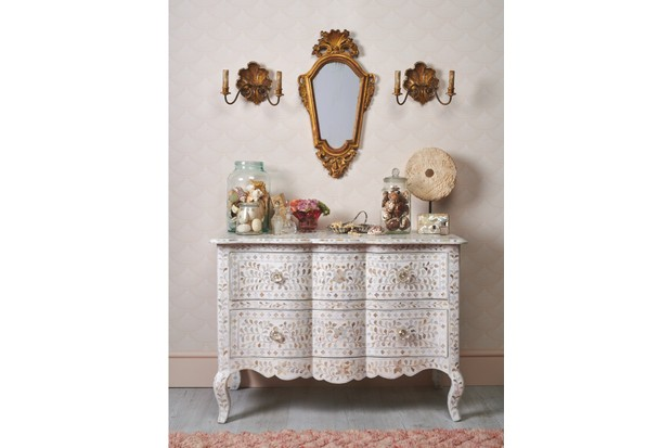 Pearly white and gilt chest of drawers
