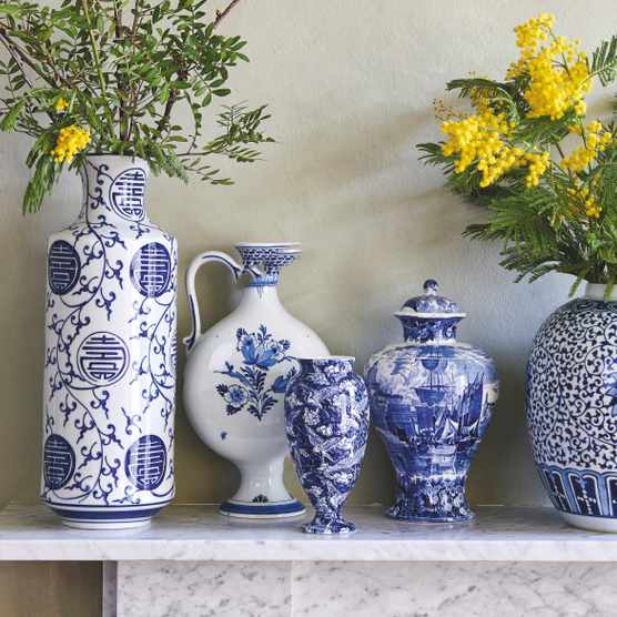 Collecting Chinese ginger jars. Image: Phil Sowels