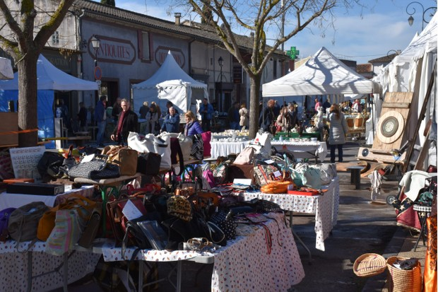 Stalls at L'Isle-Sur-La-Sorgue International Fair