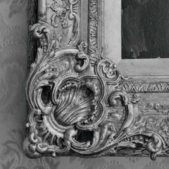 C92Y7A Picture frames in historic houses are sometimes as valuable and important as the artworks they contain and reflect large