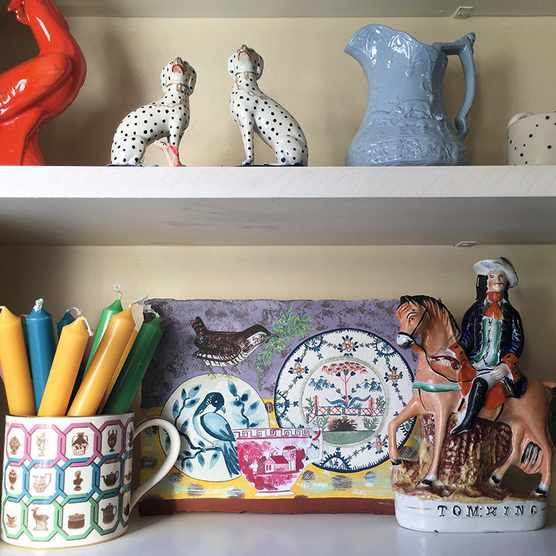 Another piece by Unity Coombes (@unitycoombes) inspired by a display of ceramics in her own home.