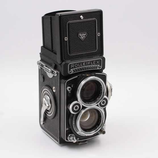 Rolleiflex / Credit VintageCashCow.co.uk
