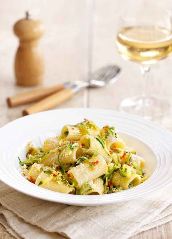 Rigatoni Pasta Recipe with Courgette, Lemon and Parmesan