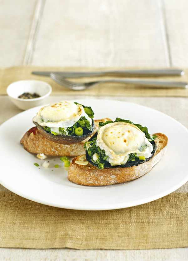 Field mushrooms, spinach and goat's cheese on toast