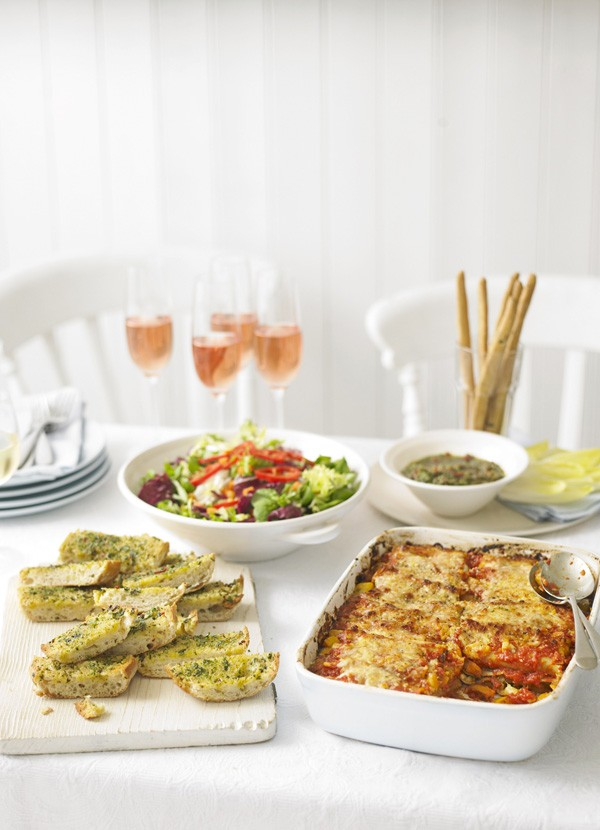 Cannelloni with squash, tomato and rosemary