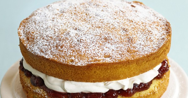 Great Cake Recipes Uk: Simple Victoria Sponge Recipe