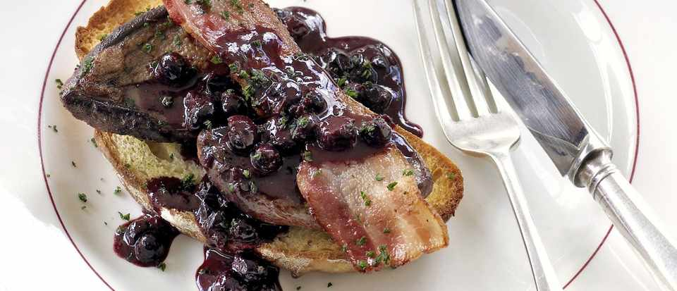 pigeon breasts with blackcurrant sauce
