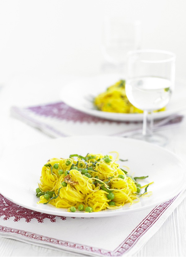 Angel Hair Pasta Recipe with Saffron, Prosciutto and Peas
