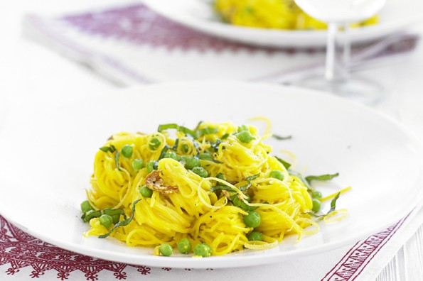 Angel Hair Pasta Recipe with Saffron, Prosciutto and Peas