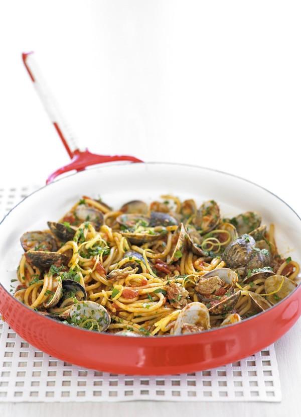 Spaghetti with Clams and Gremolata Recipe
