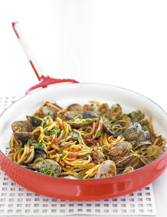 Spaghetti with Clams and Gremolata Recipe