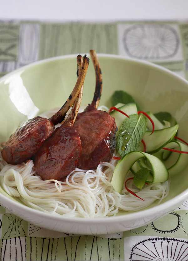 Rice noodles with hoisin lamb