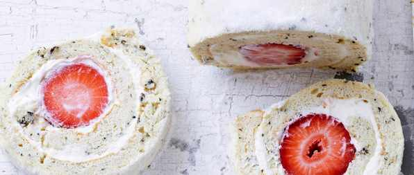 Strawberry Meringue Roulade Recipe with Earl Grey