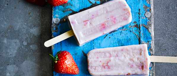 Strawberry And Cream Lollies Recipe