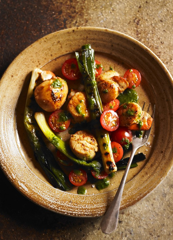 Pan Fried Scallops Recipe with Charred Leeks