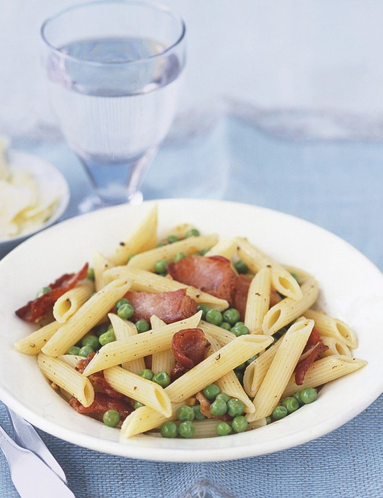 Bacon and pea penne