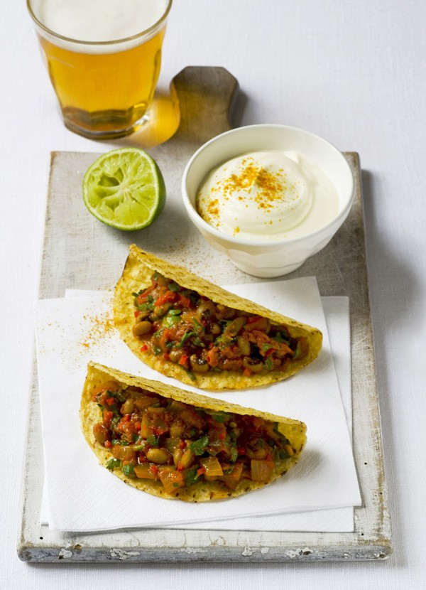 Bean chilli tacos