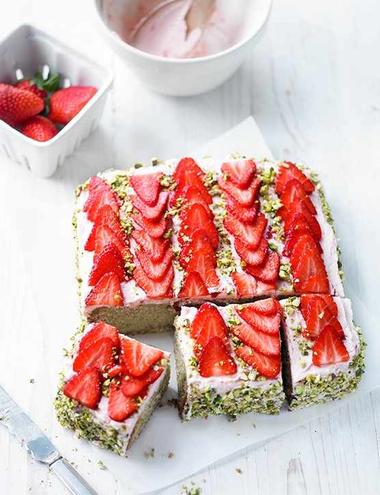 Strawberry Cake Recipe with Pistachio