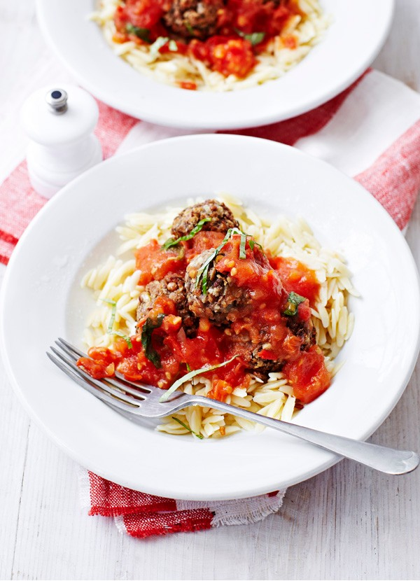 Lentil 'meatballs' with fresh tomato sauce
