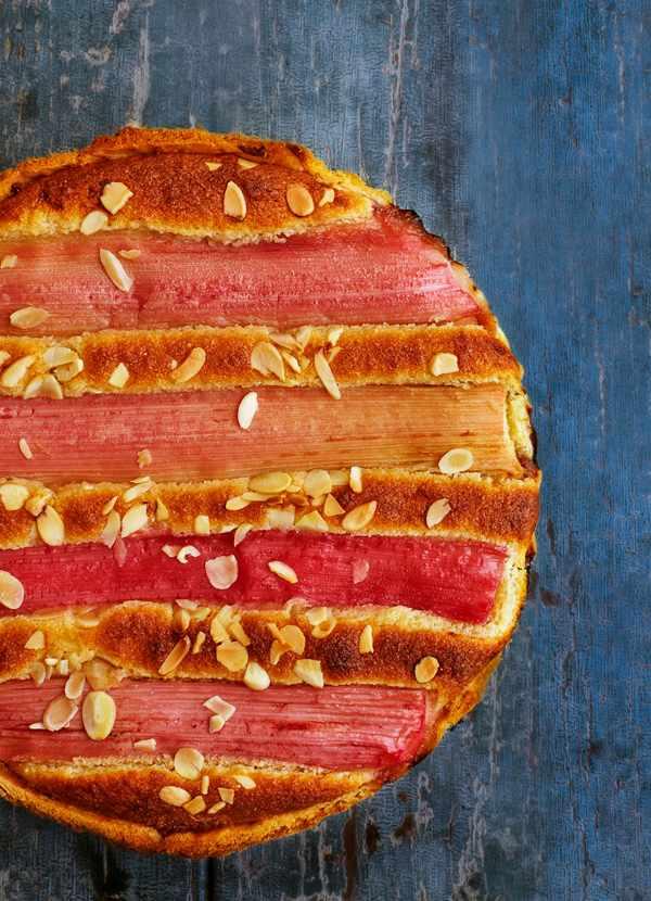 Bakewell Tart Recipe with Rhubarb