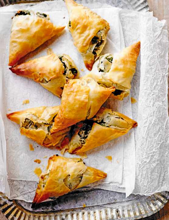 Filo Parcels Recipe Filled With Spinach, Feta and Onion