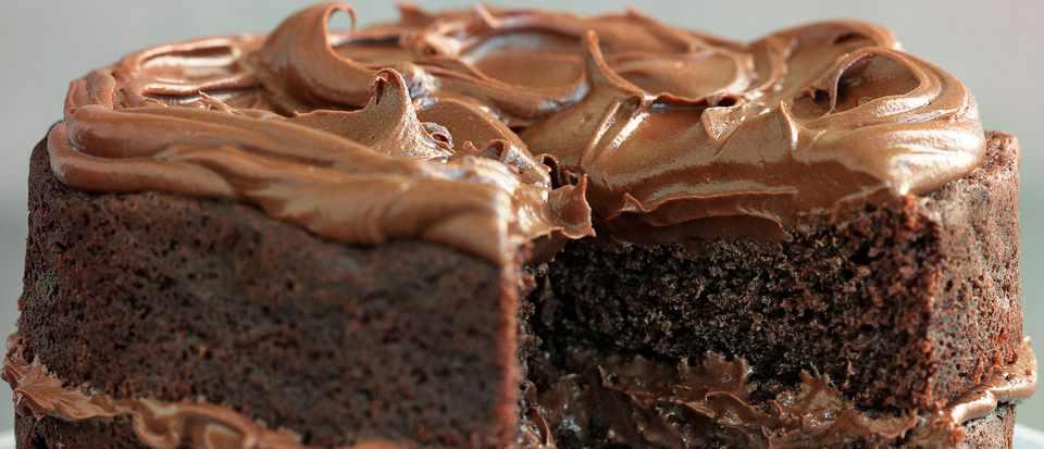 Easy Chocolate Fudge Cake Recipe