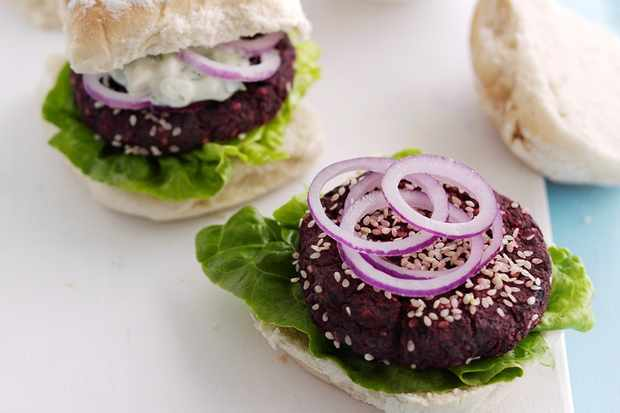Beetroot burgers with herb feta sauce