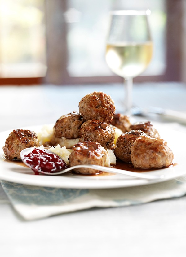 Swedish Meatballs Recipe With Lingonberry Sauce