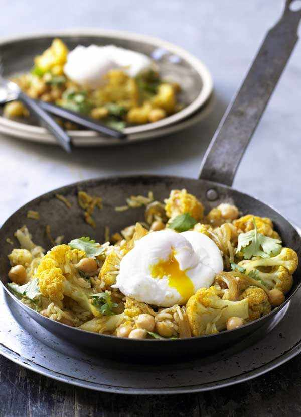 Cauliflower Pilaf Recipe with Chickpeas and Poached Eggs