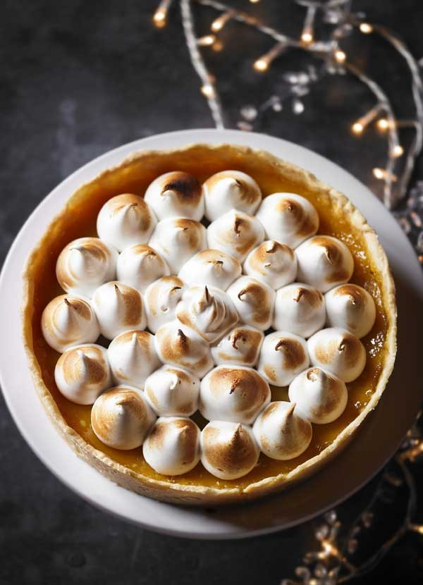 Passion fruit tart with meringue recipe
