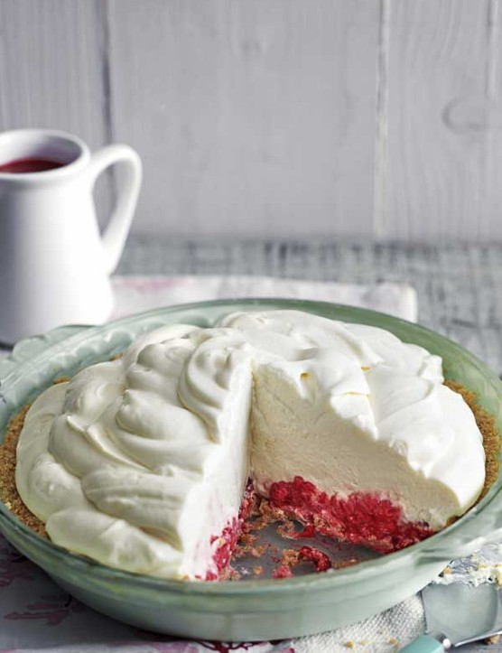 Raspberry marshmallow cheesecake