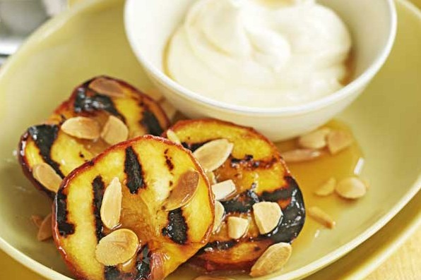 Grilled Peaches Recipe with Amaretto Cream
