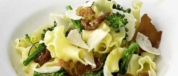 Fiorelli Pasta Recipe with Broccoli and Crisp Prosciutto