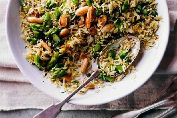 Asparagus, saffron and almond pilaf