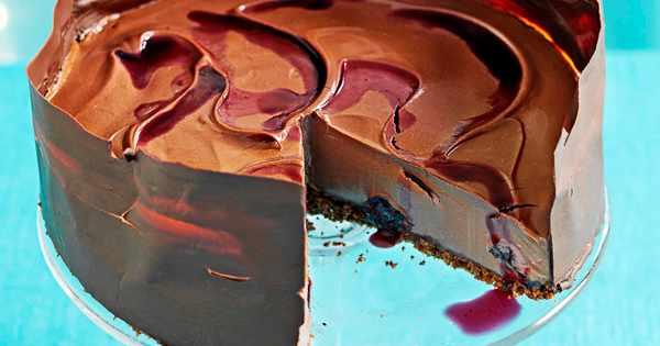Chocolate Collar Cake North East