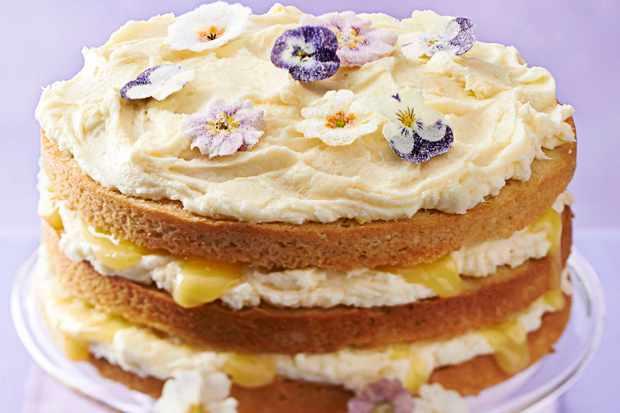 Lemon Layer Cake With Lemon Curd