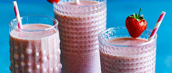 Breakfast Smoothie Recipe With Strawberry Almond Milk