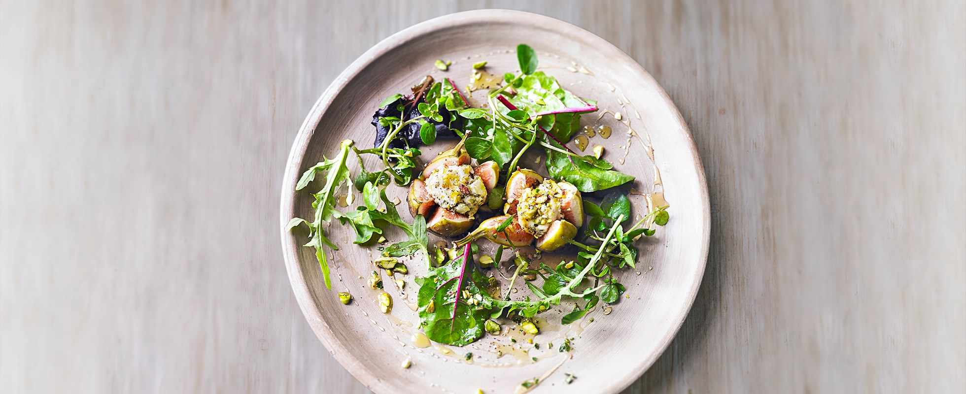 Fig, goat's cheese and pistachio salad