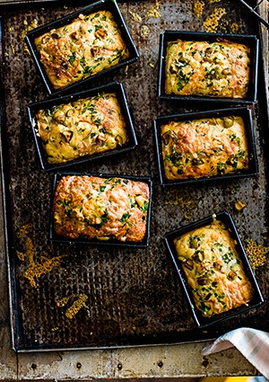 Best Cornbread Recipe With Herb, Green Olive and Buttermilk