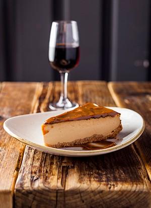 """Recette de gâteau au fromage Dulce De Leche cuit au four """"title ="""" Recette de gâteau au fromage Dulce De Leche cuit au four """"/>   <p><strong><em> Vous cherchez des recettes de dulce de leche? Vous voulez le meilleur cheesecake ou tarte au banoffee dulce de leche? Essayez nos idées ci-dessous, puis consultez nos <a href="""