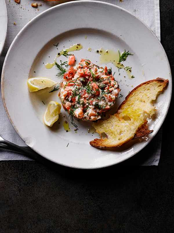 Salmon Tartare Recipe with Lemon and Capers