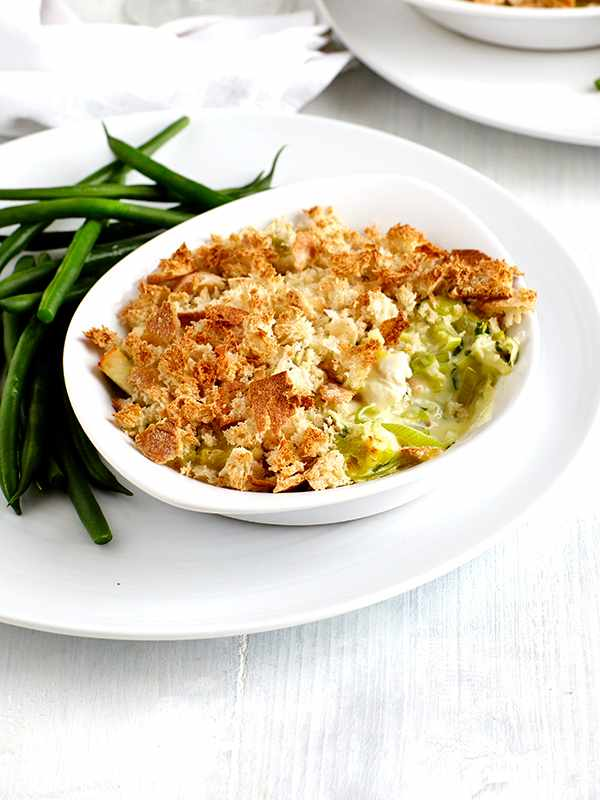 Healthier chicken and leek pie