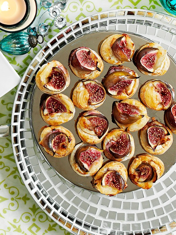 Roasted Figs with Goat's Cheese Canapé Recipe