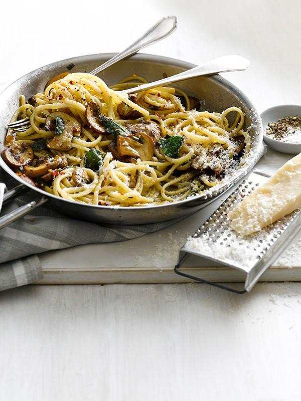 Linguine with garlic mushrooms and sage